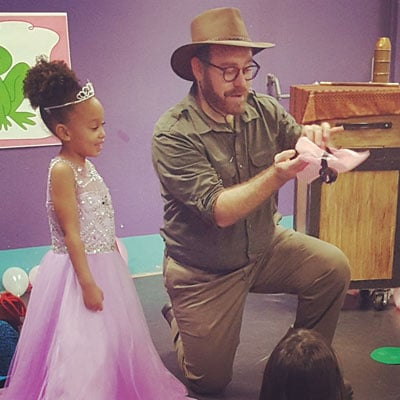 kids-birthday-party-magician-image-2_web